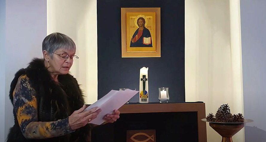 Maria leest online kerstverhalen voor