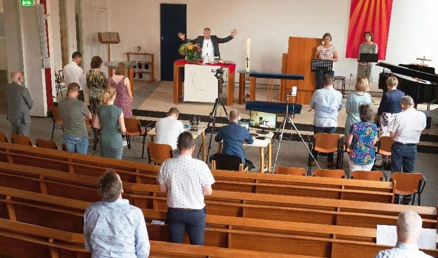 PKN: kerkdiensten kunnen weer tot 30 mensen